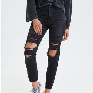 AEO | Black Distressed Mom Jeans